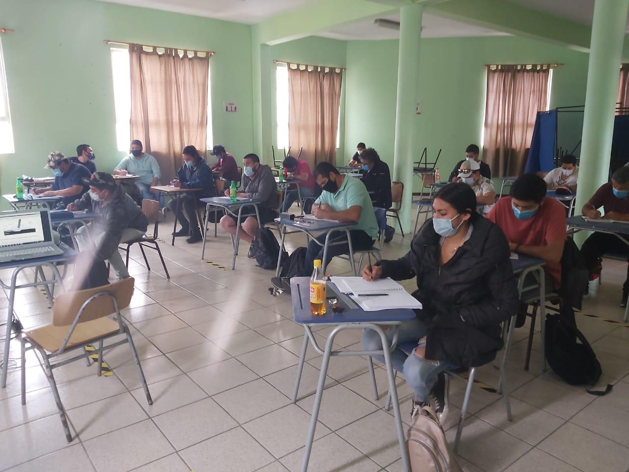Municipalidad de Iquique da inicio a cursos a gratuitos y certificados de Electricidad y Soldadura