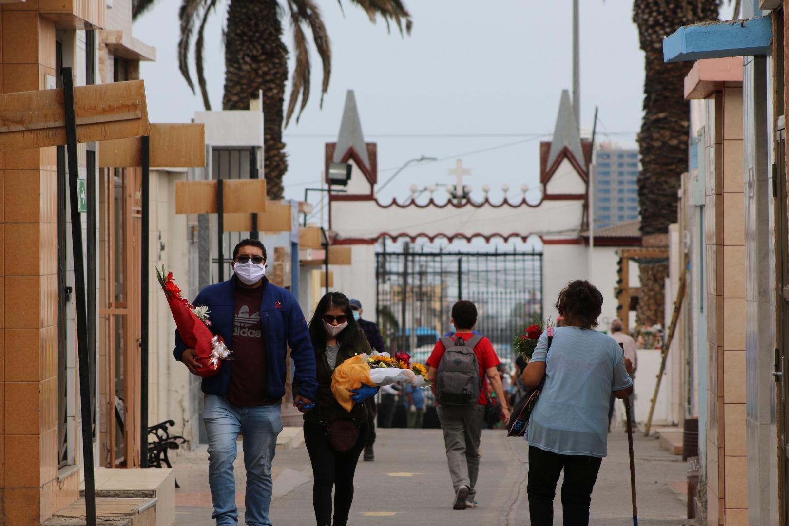 Cementerios públicos de Iquique extienden su horario de visitas a los fines de semana y festivos en Fase 3