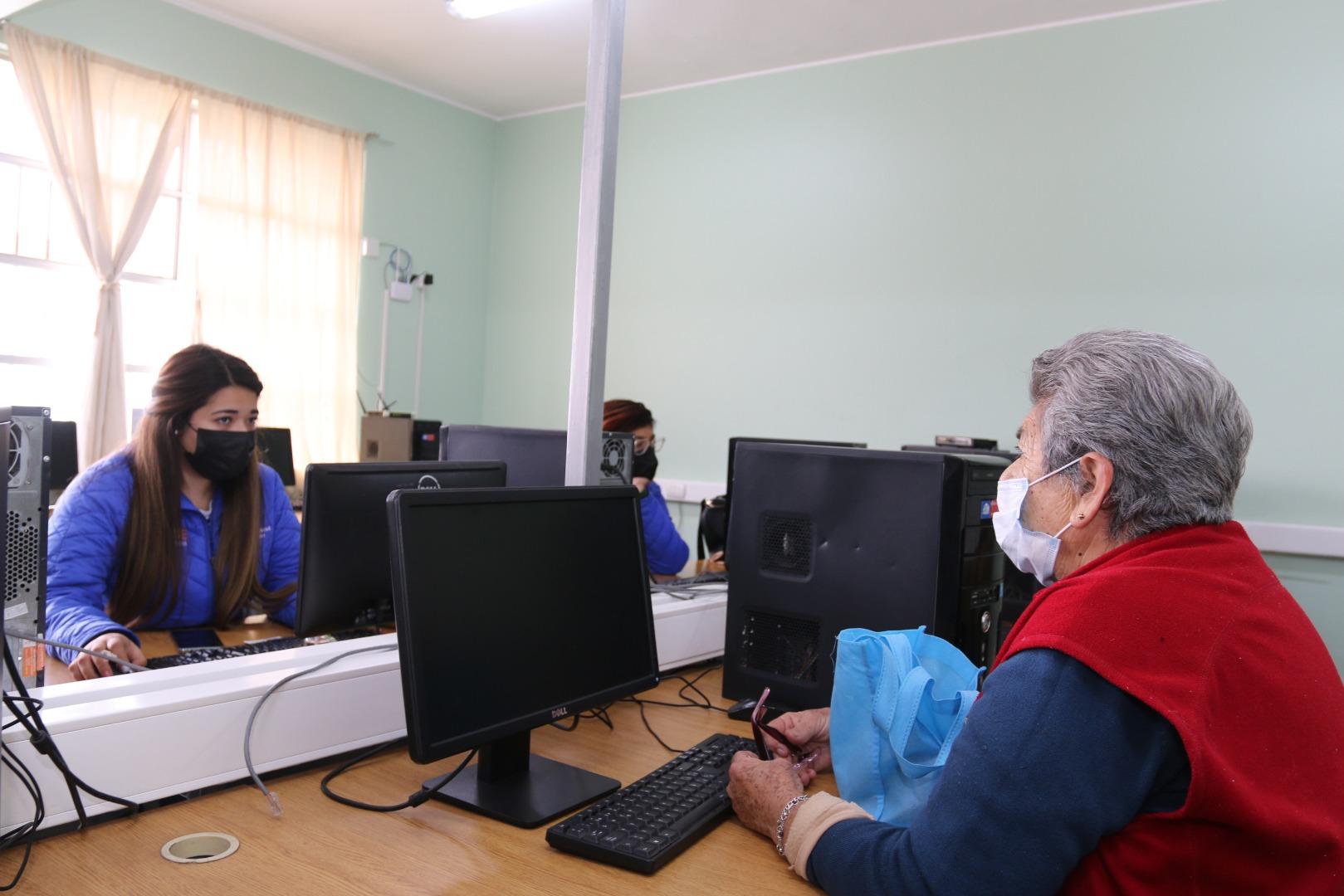 Municipalidad de Iquique retoma apoyo a vecinos y vecinas para postular al IFE Universal