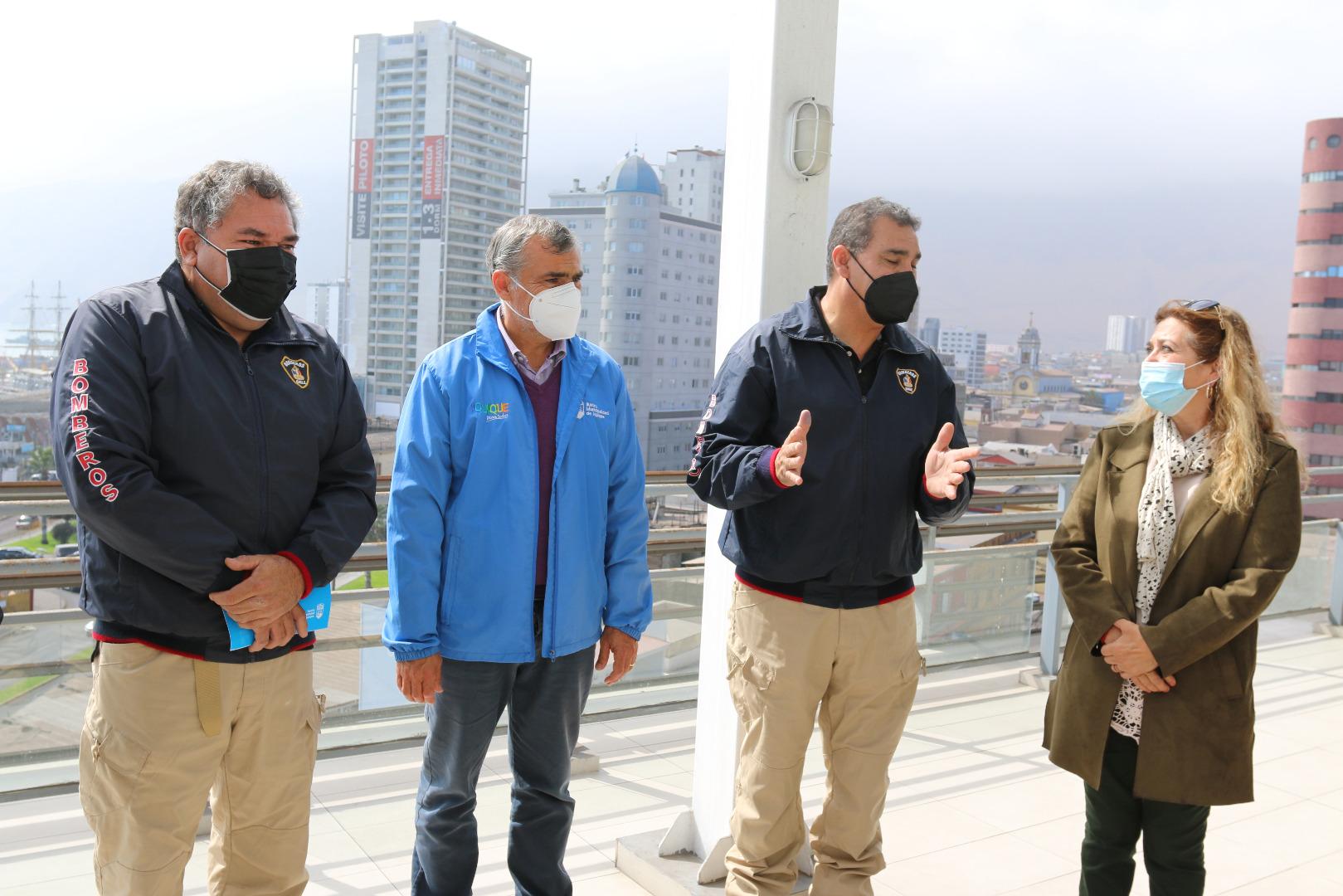 Municipalidad de Iquique entregó subvención de $120 millones al Cuerpo de Bomberos de Iquique